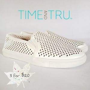 Time and Tru Memory foam slip on